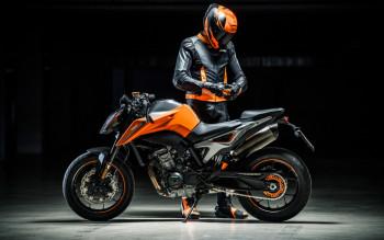 Bienvenue Chez KTM NIMES By RACE MOTO Votre Distributeur Exclusif A Nimes Un Nouvel Espace De Plus 500 M Dedie Et Adapte Vos Besoins Avec Des